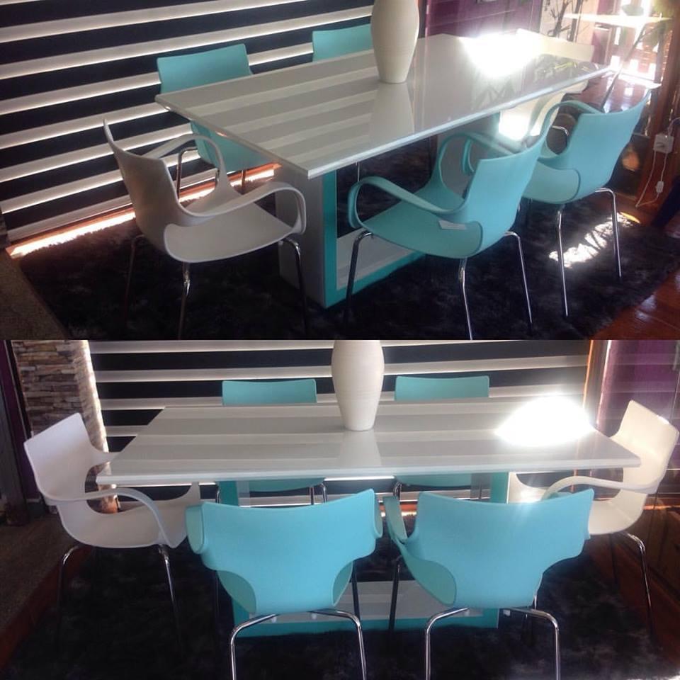 Mesa com 06 lugares e cadeiras